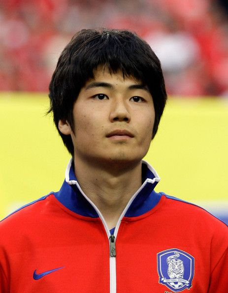 Ki+Sung+Yeung+South+Korea+v+Ecuador+International+thD5yTAzJ1Bl.jpg (463×594)