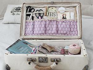 «Из ненужного в необходимый!»: переделка старого чемодана в авторский аксессуар рукодельницы | Ярмарка Мастеров - ручная работа, handmade