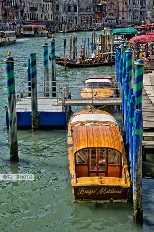 Leather Passport Case - Gandolas in Venice Italy by VIDA VIDA 1WzrvCgL