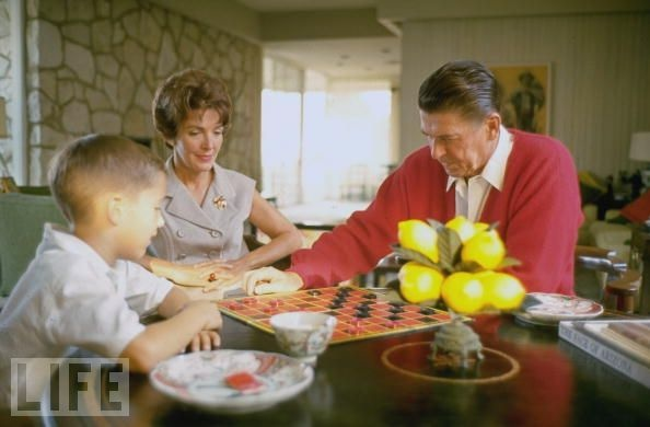 Ronald Reagan: Famous People, Candid Ronald, Plays Checkered, Favorite Presidents, Reagan Families, Governor Candid, Nancy Reagan, Ronald Reagan, Presidents Ronald
