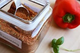 Homemade seasoning salt: Ground Black Peppers, Recipe, Crushes Red Peppers, Seasons Salts, Homemade Seasons, Homemade Seasonings, Garlic Powder, Onions Powder, Chilis Powder