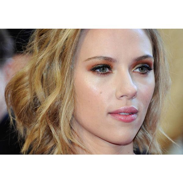 Scarlett Johansson ombretto arancione ❤ liked on Polyvore featuring scarlett johansson, people and scarlett