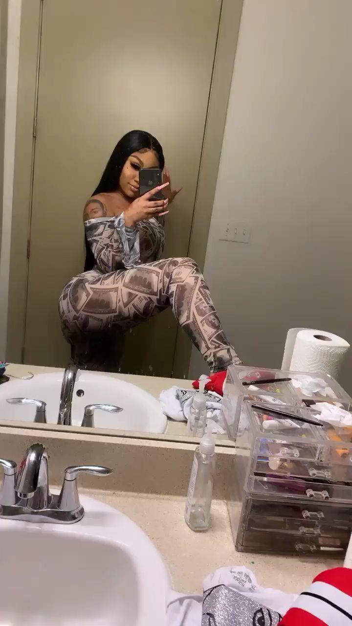 Black Girl Twerking Bathroom