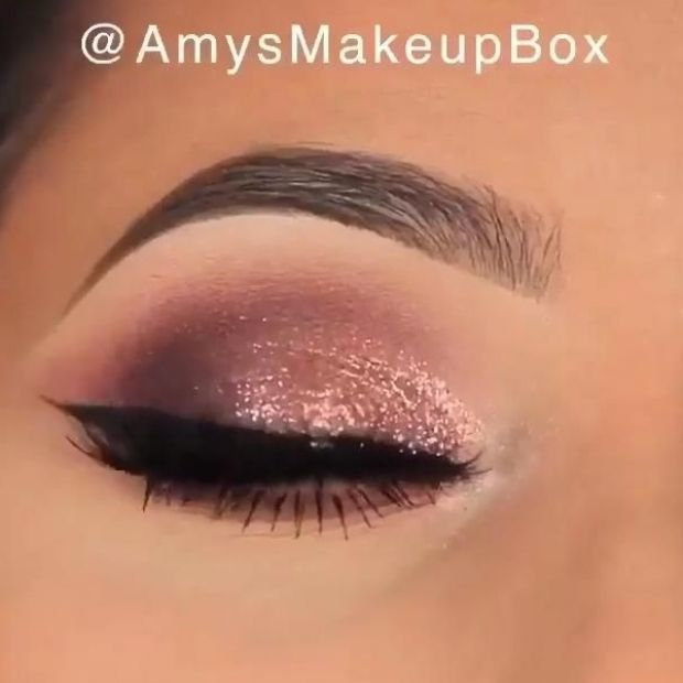 Stunning Makeup Look For Special Occasions In 2020 Stunning Makeup Sparkly Makeup Online Makeup
