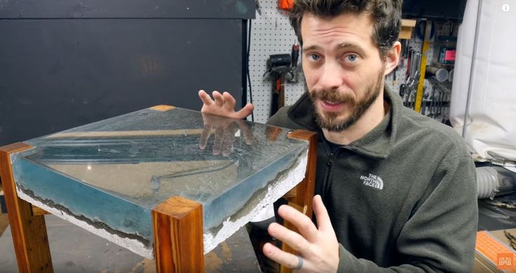 Some great tips to make an epoxy ocean.