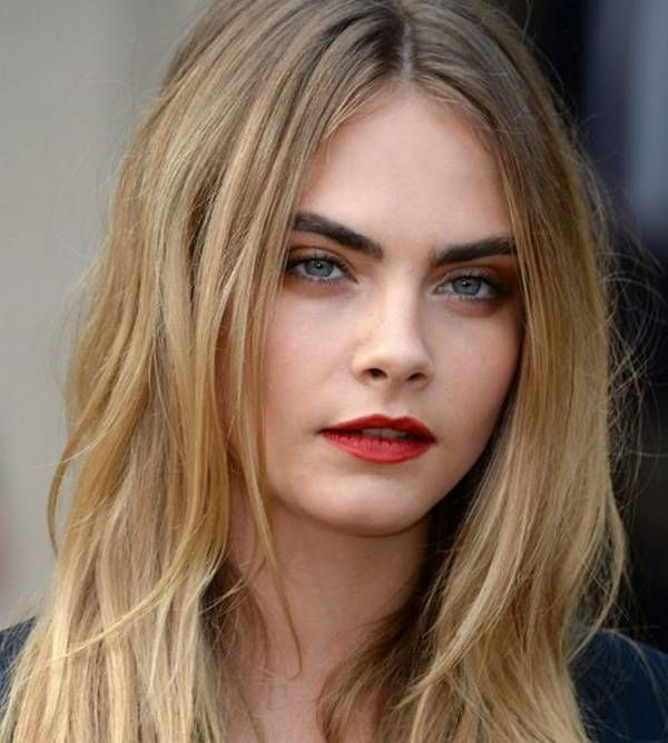 Cara Delevingne easy evening hairstyle to do yourself