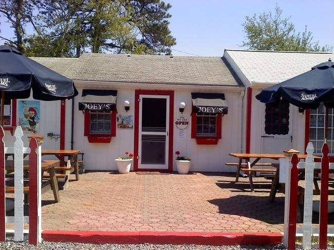Joey's Pizzeria, 197 lower county rd dennisport