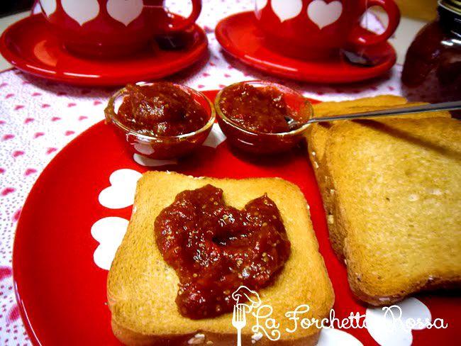 Marmellata di bacche di goji, mele e zenzero