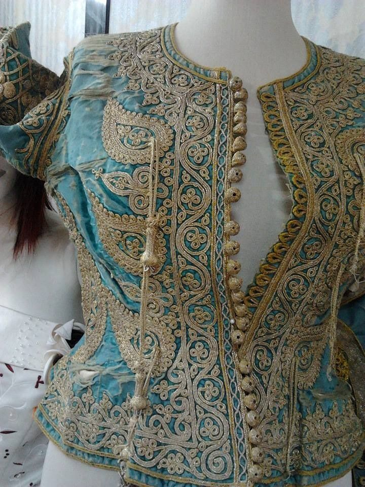 TRADTIONAL ALGERIAN CLOTHES