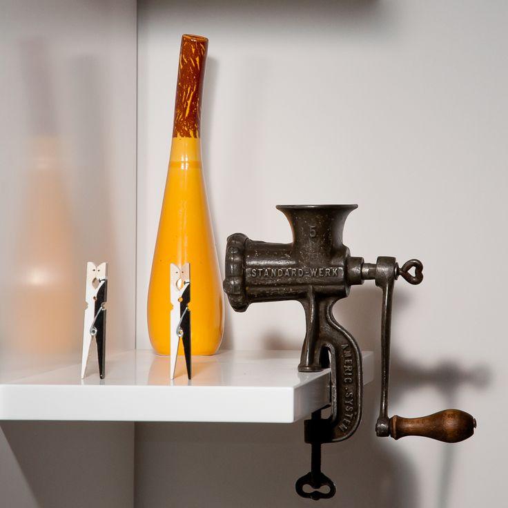 home knick-knacks - ancient meat grinder as decoration