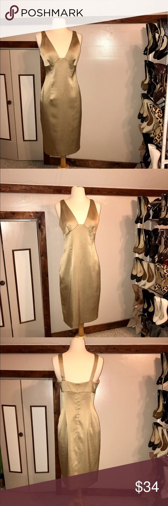 Laundry by Shelli Segal Gold Dress. Elegant Laundry by Shelli Segal Gold Dress. Elegant and Stunning.! No Signs of Wear. Laundry by Shelli Segal Dresses