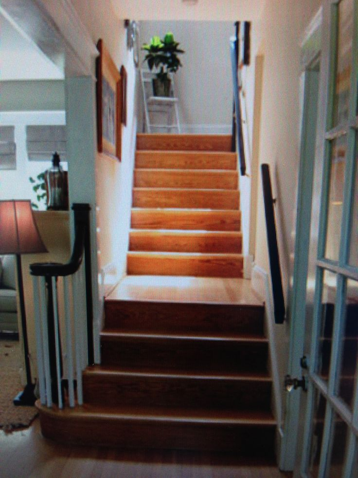 Wrap Around Handrail And Balusters Stairs Pinterest