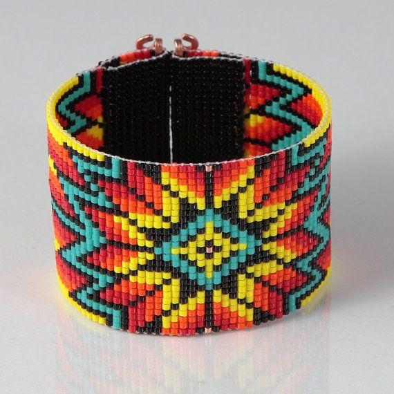 Rainbow Suburst Wide Cuff Bead Loom Bracelet por PuebloAndCo