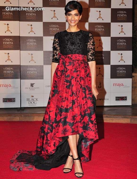 Sonam Kapoor in Atsu Sekhose   2013 L'Oreal Paris Femina Women Awards in Mumbai