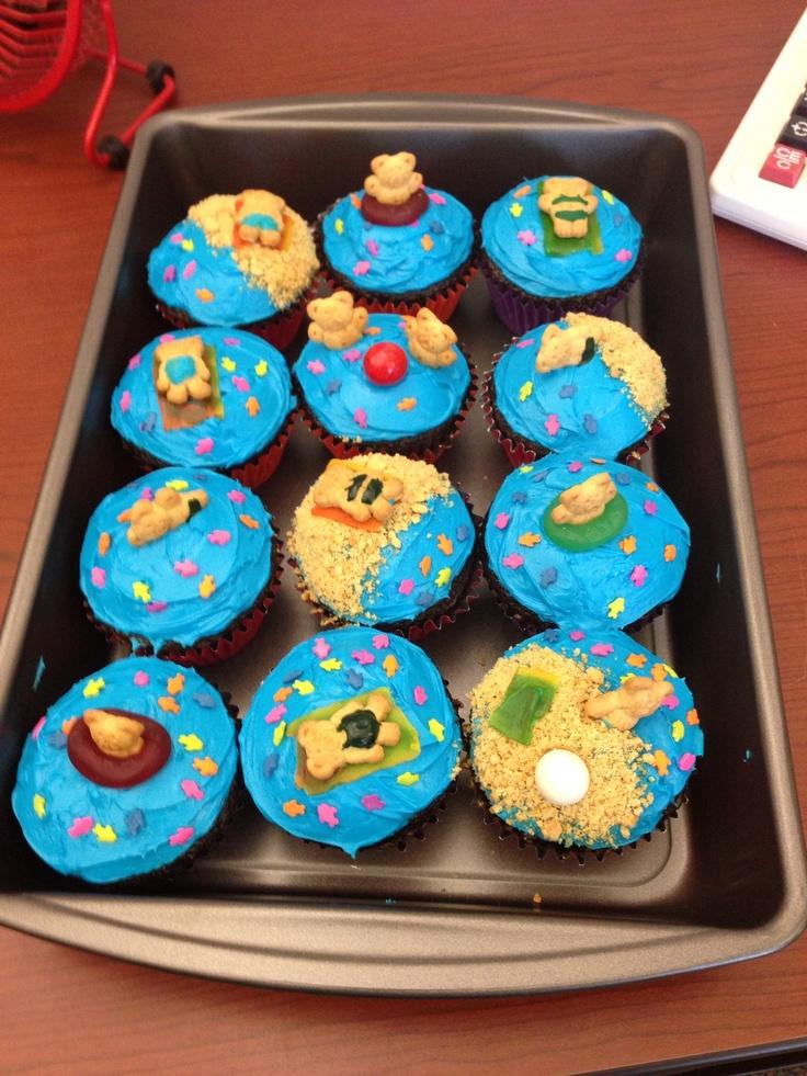 Teddy graham cupcakes!