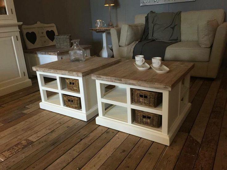 Mooie houten salontafels met rieten mandjes