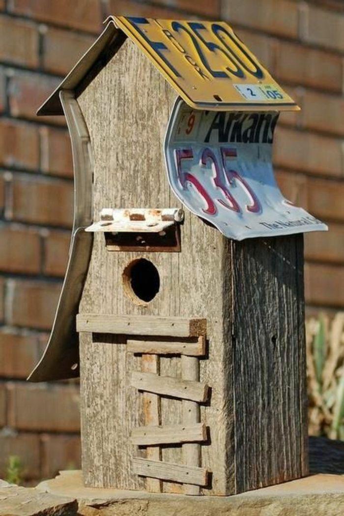Nichoir oiseaux fabriquer montage du nichoir bote letrres - Fabriquer album photo maison ...
