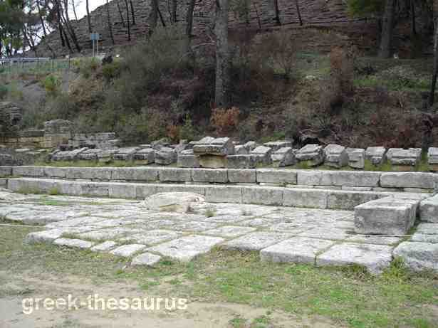 Ruins of the treasuries at Olympia.  The treasures at this sanctuary were built mainly by overseas colonies. Photo:http://www.greek-thesaurus.gr/Ancient-Olympia-treasuries.html
