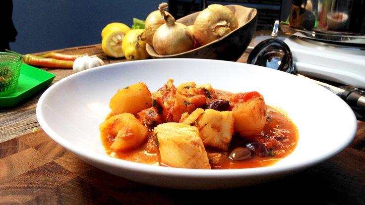 Bacalao med tomat, oliven og hvitløk