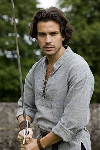 The feels!!! I have been a Lancelot Fangirl since he first showed up. Santiago Cabrera (English/Chilean) ~ plays Lancelot in Merlin