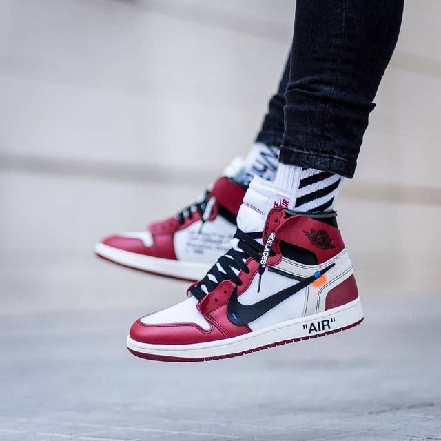 Air Jordan 1 Off White Chicago Outfit