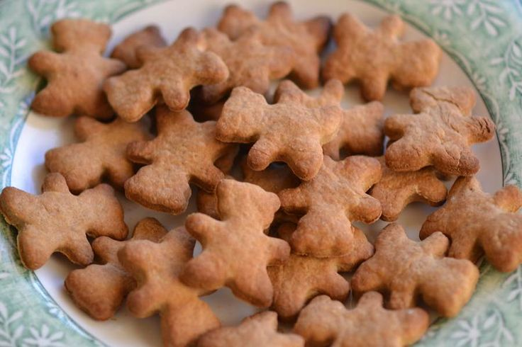 A simple gingerbread man dog biscuit recipe that the dog will love! They're not just tasty but good for helping against travel and motion sickness in dogs.