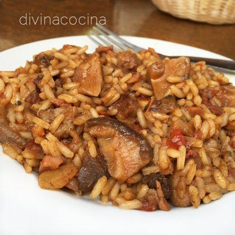 Esta receta de arroz montañés con carne y setas es perfecta para compartir con amigos. Los ingredientes se pueden modificar para que esté al gusto de todos.