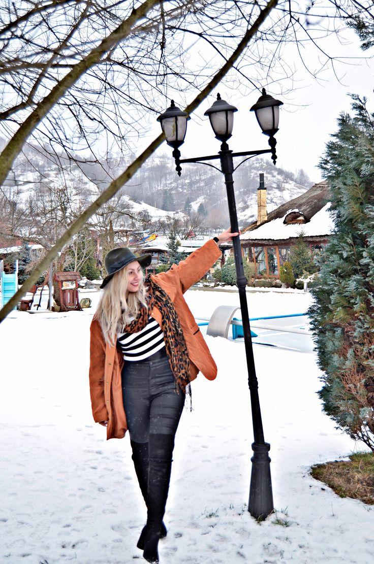 A venit zăpada și o dată cu ea și un outfit nou perfect pentru această ocazie. De ceva vreme am așteptat momentul oportun pentru a purta cizmele peste genunchi. Ținând cont de faptul, că nu vreau …