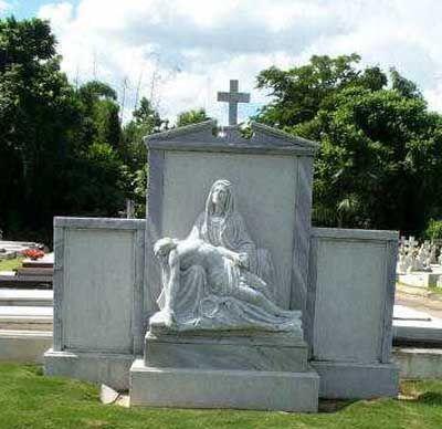 Grave Marker- Raul Julia Born: March 9, 1940, San Juan, Puerto Rico Died: October 24, 1994, Manhasset, NY