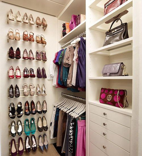 Love the rods used to hang shoes (2 per row) - great way to utilize dead space.