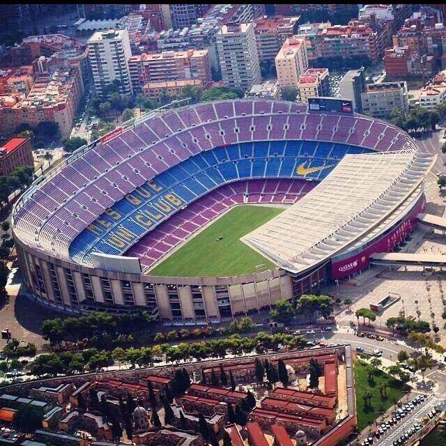 Camp Nou // 2003: FC Barcelona - RCD Espanyol // 2015: FC Barcelona - Real Betis Balompié