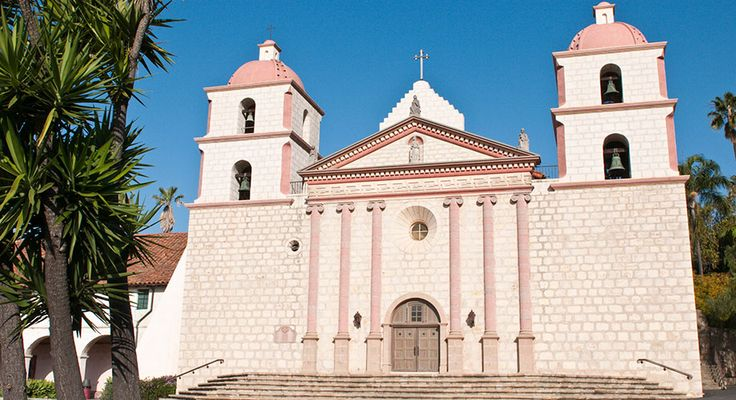 Église de Santa Barbara. Old Mission a été construit par les Franciscains espagnols en 1786.