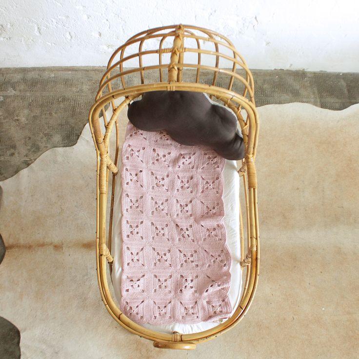 25 best ideas about matelas de berceau sur pinterest coins de lecture pour les tout petits et. Black Bedroom Furniture Sets. Home Design Ideas