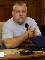 Steven Avery's New Lawyer Rips Apart Evidence From Original Case #refinery29