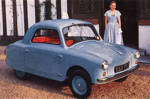 Opperman Unicar - S E Opperman was a tractor manufacturer in England. After he saw the Bond car he decided to build his own four-wheel microcar at a factory in Elstree, Hertfordshire.