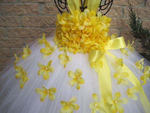 WHITE YELLOW FLOWERS. White Tutu Dress. Birthday by ElsaSieron