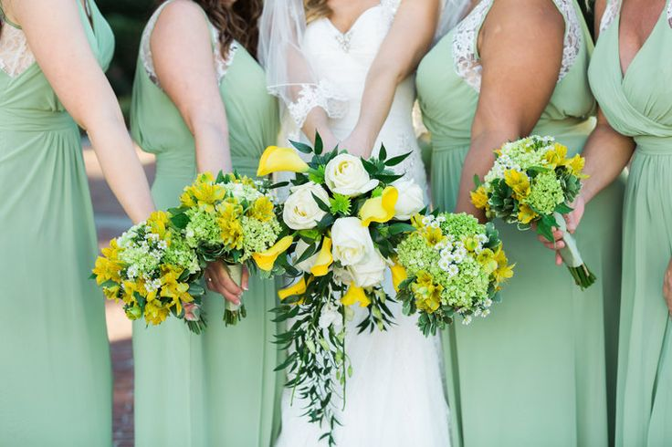 Bridal Party. Bridesmaids. Yellow Bouquet. Green Bouquet. Calla Lillies, Southern Wedding. Green Bridesmaids dresses. Long Bridesmaids Dresses.  EVENTS BY SANTANA
