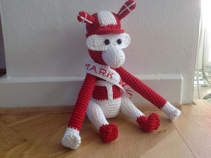 Crochet Danish Rooligan Monkey from a Danish crochet group on Facebook. Only inspiration. No pattern. Made by Hanne Bertholdt Ørum.