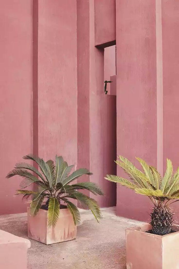 Ricardo Bofill, La Muralla Roja at Calpe, Alicante, Spain