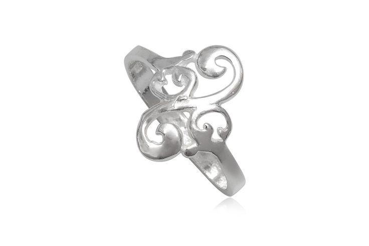 Inel finut din argint 92.5%, potrivit pentru orice tinuta. http://www.lafemmecoquette.ro/inel-din-argint-cu-model-rasucit-inspirat-de-natura/
