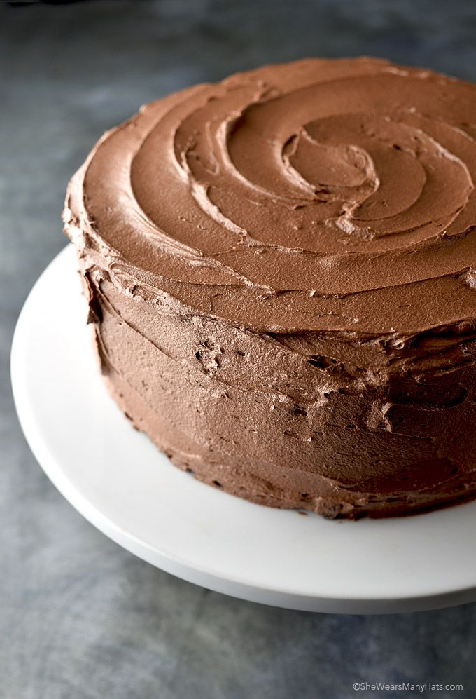 Chocolate Buttercream Frosting Recipe and tips for making the best buttercream from shewearsmanyhats.com