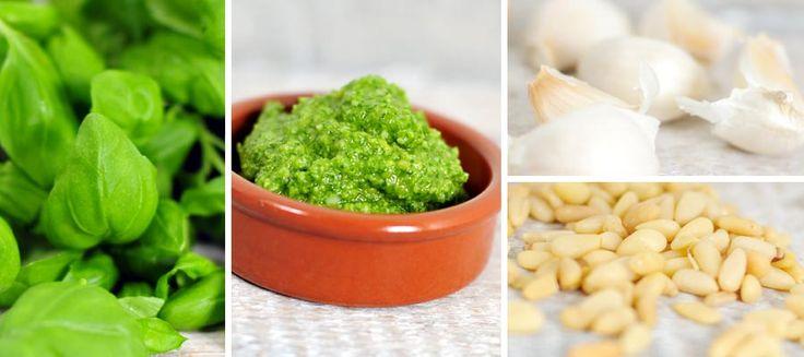 pesto maken is ongelofelijk simpel, helemaal met dit pesto recept! Zelf pesto maken van verse basilicum, pijnboompitten, Parmezaanse kaas, knoflook,