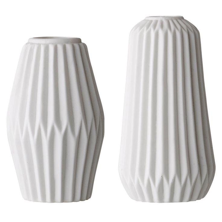 15 best ideas about porcelain vase on pinterest vase. Black Bedroom Furniture Sets. Home Design Ideas