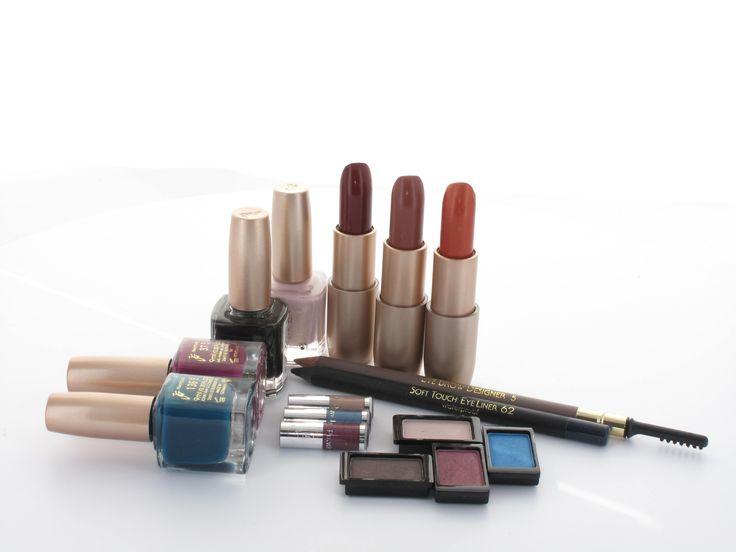 John van G. make-up wordt gebruikt door professionele visagisten en beautysalons. Deze betaalbare professionele make-up is verkrijgbaar bij Drogist.nl.