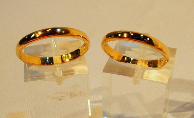 Alianzas de Matrimonio en Oro 18K en media caña de 3 mm de espesor