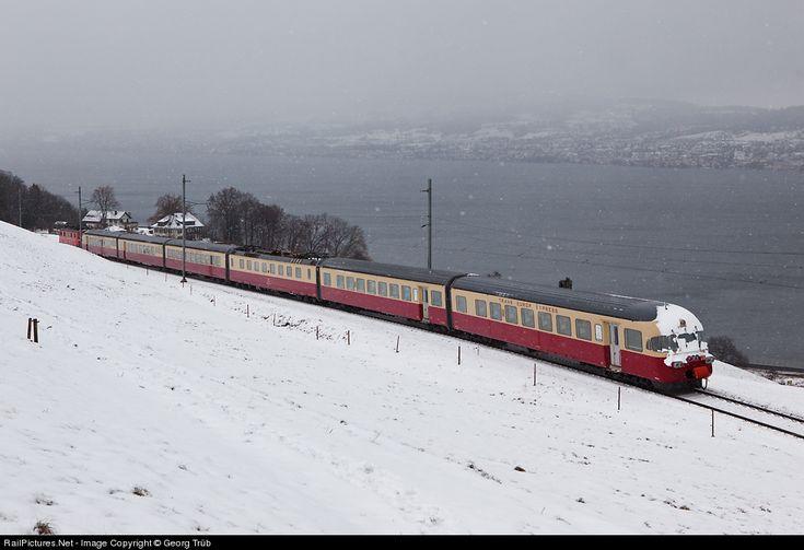 RailPictures.Net Foto: 1053 SBB Historic RAe TEE II in Wädenswil, Zwitserland door Georg Trüb