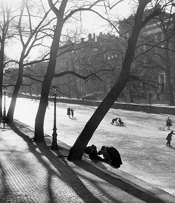 """"""" Winter in Amsterdam """" about 1950. Kees Scherer"""