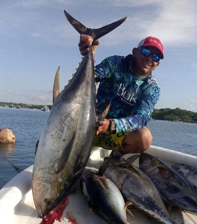Jorge Pinto Pedasi tuna team Crab 🦀  #followme #f4f #fishingpanama #fishing  #marlin #panama #atun #carrete #pesca #troling #aftco #pezvela #boat #centerconsola #vacaciones #relax #luxury #yachts #florida #sufix #rapala #yozury #panamafishing #accuratefishing #privateislandlodge  #gulfofchiriqui #tripofalifetime #visitpanama #onlyinpanama @aftco @mustadhooks @shimanofish @grundensusa @hukgear @diamondfishingproducts  @acciratefishing @pelicanproducts @smithoptics @simradyachting…