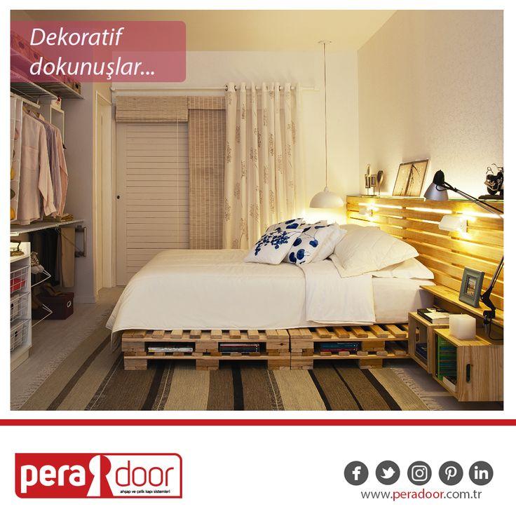 Ahşap paletler ile yatak odanızda doğal ve şık bir görünüm yakalayabileceğinizi biliyor muydunuz? #Peradoor #ahşapkapı #çelikkapı #dekorasyon #dekoratifdokunuşlar #doityourself #ahşap #palet #ahşappalet #yatak