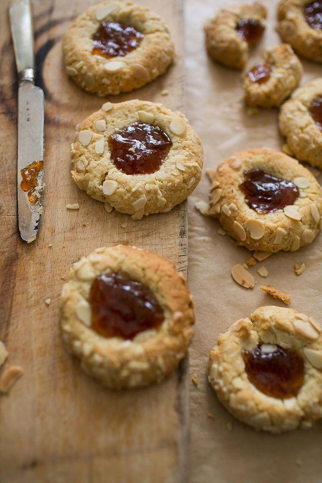 Plum Bakewell Cookies (via Bloglovin.com )